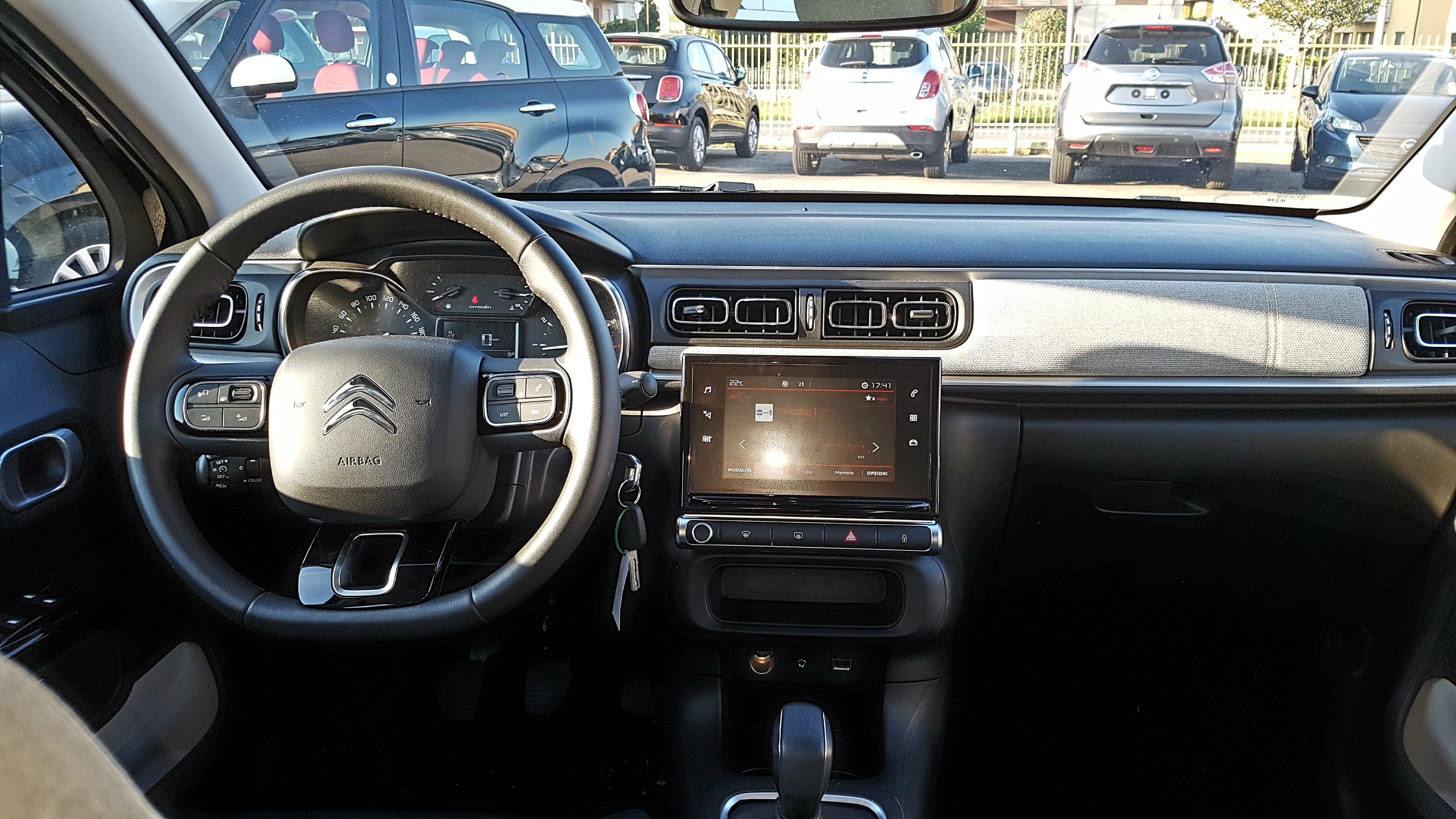 Nuova citroen c3 1 2 pure tech 82cv shine autodanesi vendita auto nuove e usate longiano - Modulo chiusura automatica specchi retrovisori ...